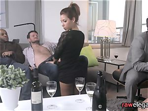 kinky glamour women have an sex