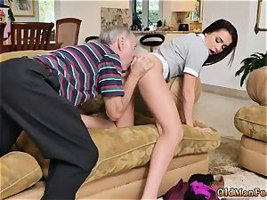 woman in pantyhose and two nymphs moviekup riding the aged man sausage!