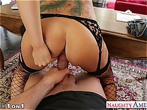 Alluring Romi Rain gets her smoothly-shaven coochie nailed