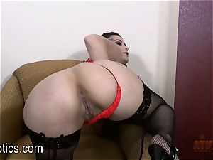 Katrina Jade loves to knead her juicy cooch