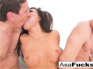 Asa Akira has a sizzling ass fucking threeway