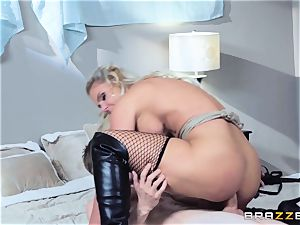 Smoking super-steamy Phoenix Marie packed in her puss