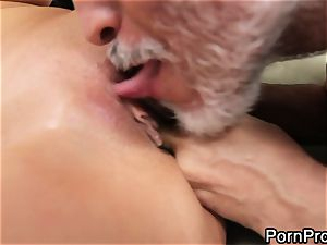 tart Alanah Rae gets munched out by a wrinkly granddad