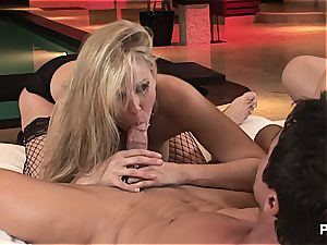 Julia's anal invasion three-way escapade