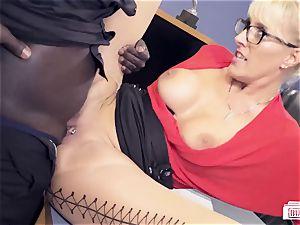 butts BUERO - cougar Lana Vegas in interracial office bang-out