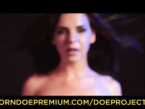 DOE ladies - super-sexy honey softcore blow-job and getting off