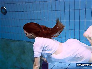 unbelievable wooly underwatershow by Marketa