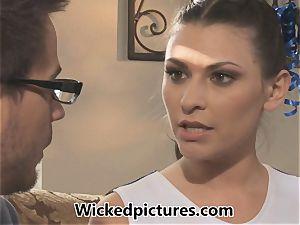 molten brunette cheerleader Victoria Lawson gets her guy