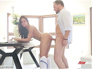 Married stud shag youthfull maid while his wifey is at work