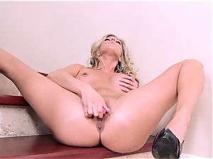marvelous superslut Samantha Saint tantalizes her cooter with a fucktoy