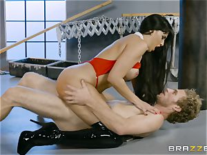 torrid vampire honey Mercedes Carrera rides hard chisel