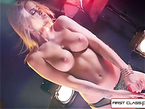 witness Jessa Rhodes taking a ample penis down her hatch